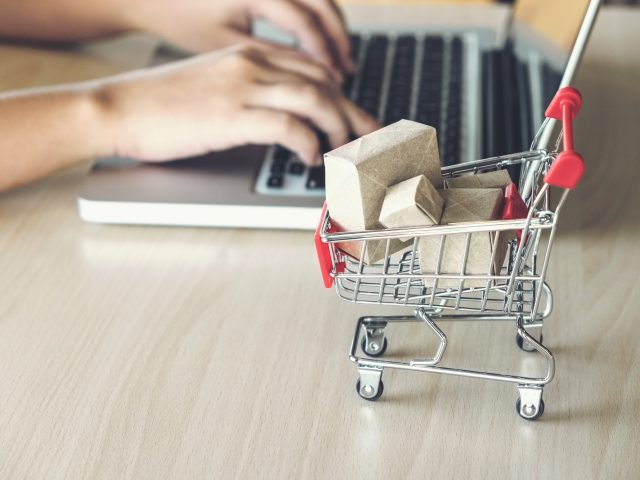 https://expresswaycourier.com/wp-content/uploads/2018/10/ecommerce-trends-640x480.jpeg