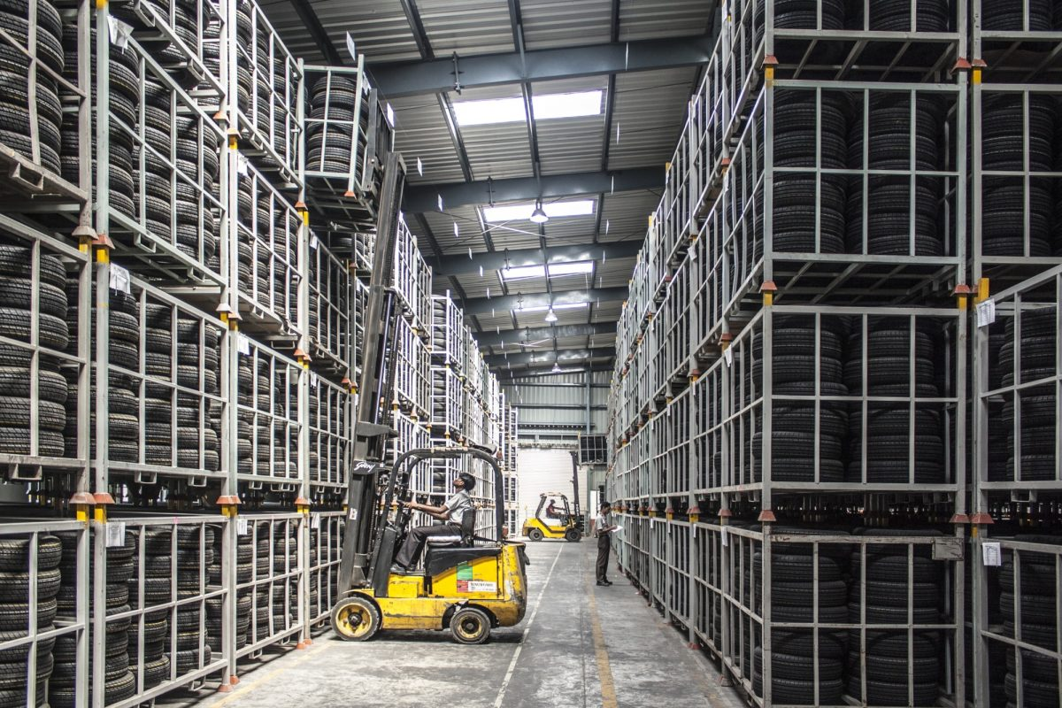 types-of-warehousing-1200x800.jpg